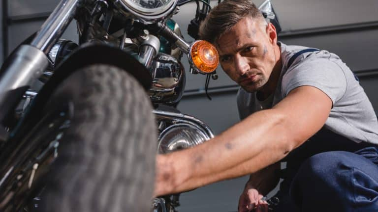 Best Degreaser for Motorcycle [Top 4 in 2021]