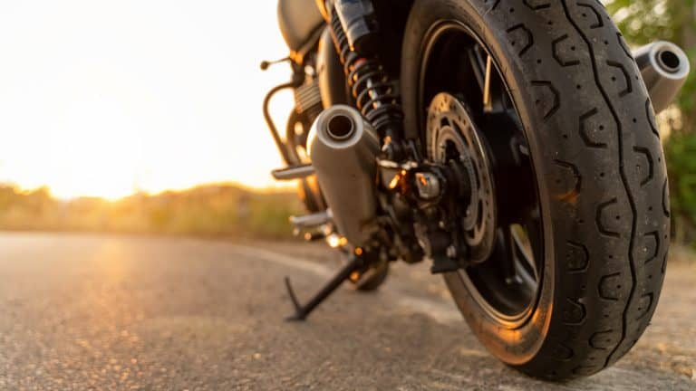 Best Motorcycle Tires of 2021 (Reviews) – Maximum Grip