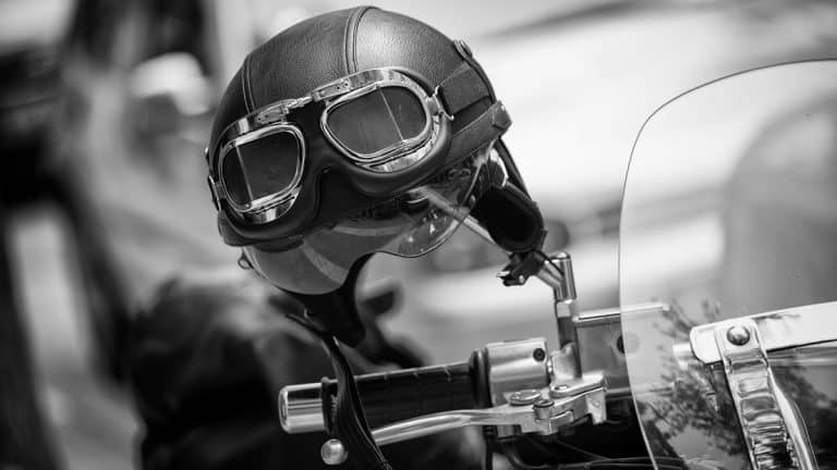 Essential Motorcycle Gear and Accessories [19+ Must-Have Items for Safety and Comfort]