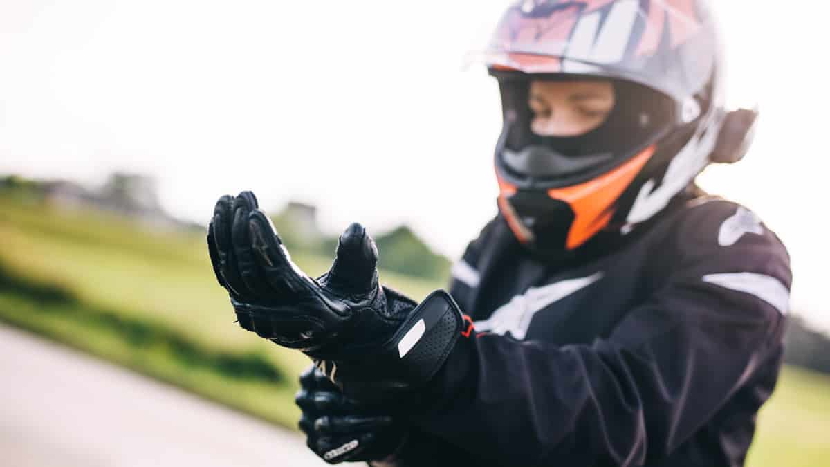 Best Motorcycle Gloves for Women Riders