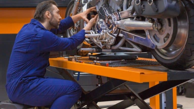 Best Motorcycle Lift Table for Harley   Top 7 to Upgrade Your Workshop